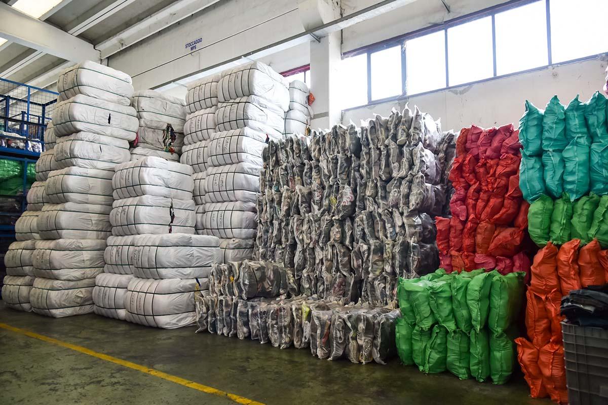 Used Clothing Gebrauchte Kleidung Import Export Von